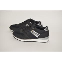 Sneakersy GUESS farba-čierna